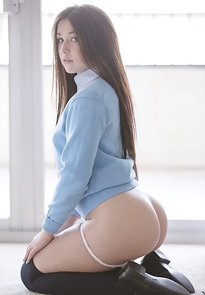 Girls on Knees Porn Pictures